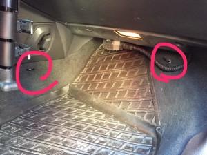 Hur du monterar en bakåtvänd bilbarnstol i baksätet Barn Bilen