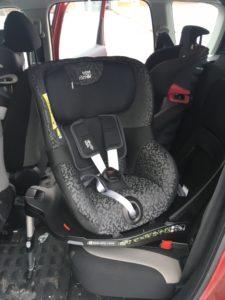 säkraste platsen i bilen barnstol